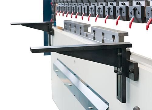 使用光纤激光切割机使用要注意什么?